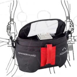 Reserve parachute ventral pocket with Cockpit.